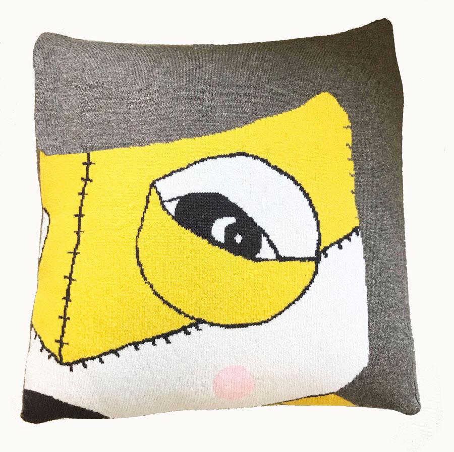 fox-cushion-brown_image.jpg