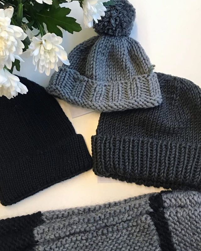 Only a few days left until our knitted donations collection for refugees closes! Please get your wonderful donations to us by the 1st February 2019. We cannot guarantee your parcels will be received beyond this date. THANK YOU to the hundreds of people who have already donated. Our storage has filled up nicely 🙌🏾🙌🏼🙌🏿 *Image and knitting by @nrwx #knitaid #knitaidforrefugees