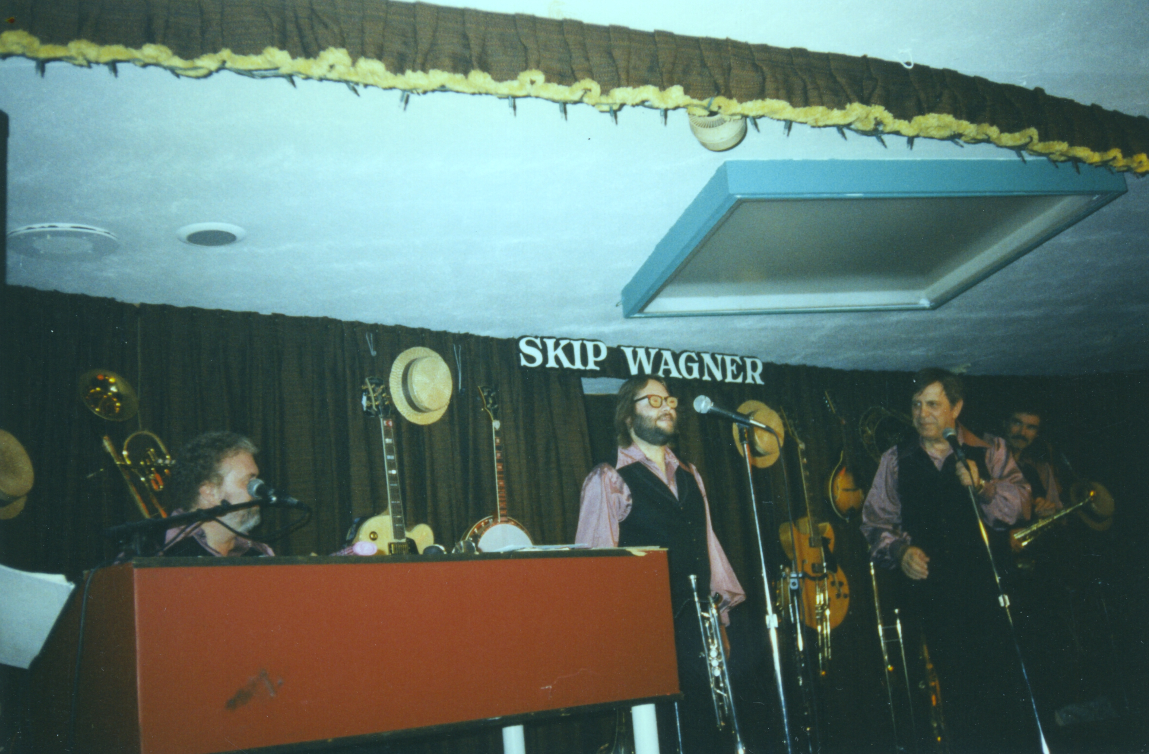 Bruce Clark singing with the Skip Wagner Show