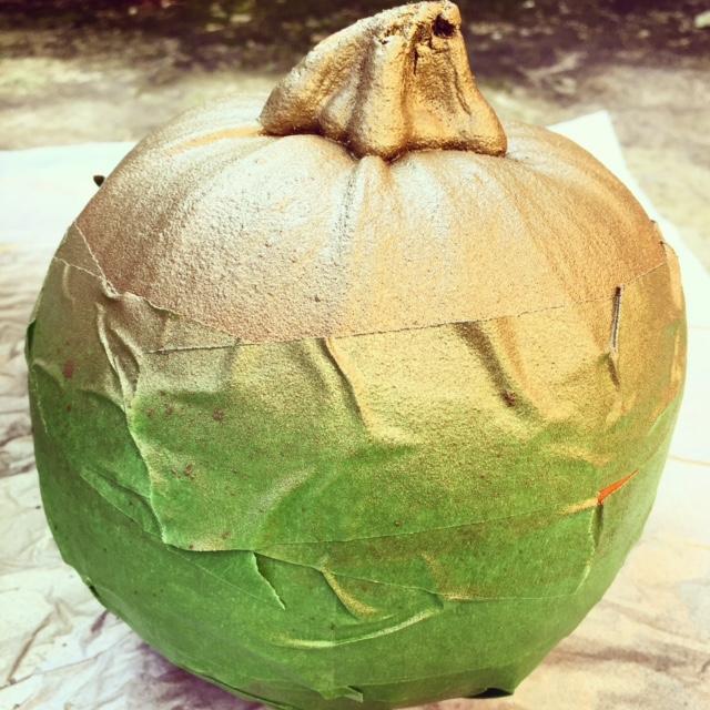 gold-spray-pumpkin