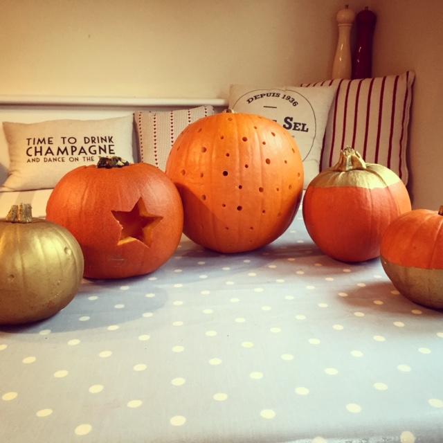 gold-pumpkin-decoration