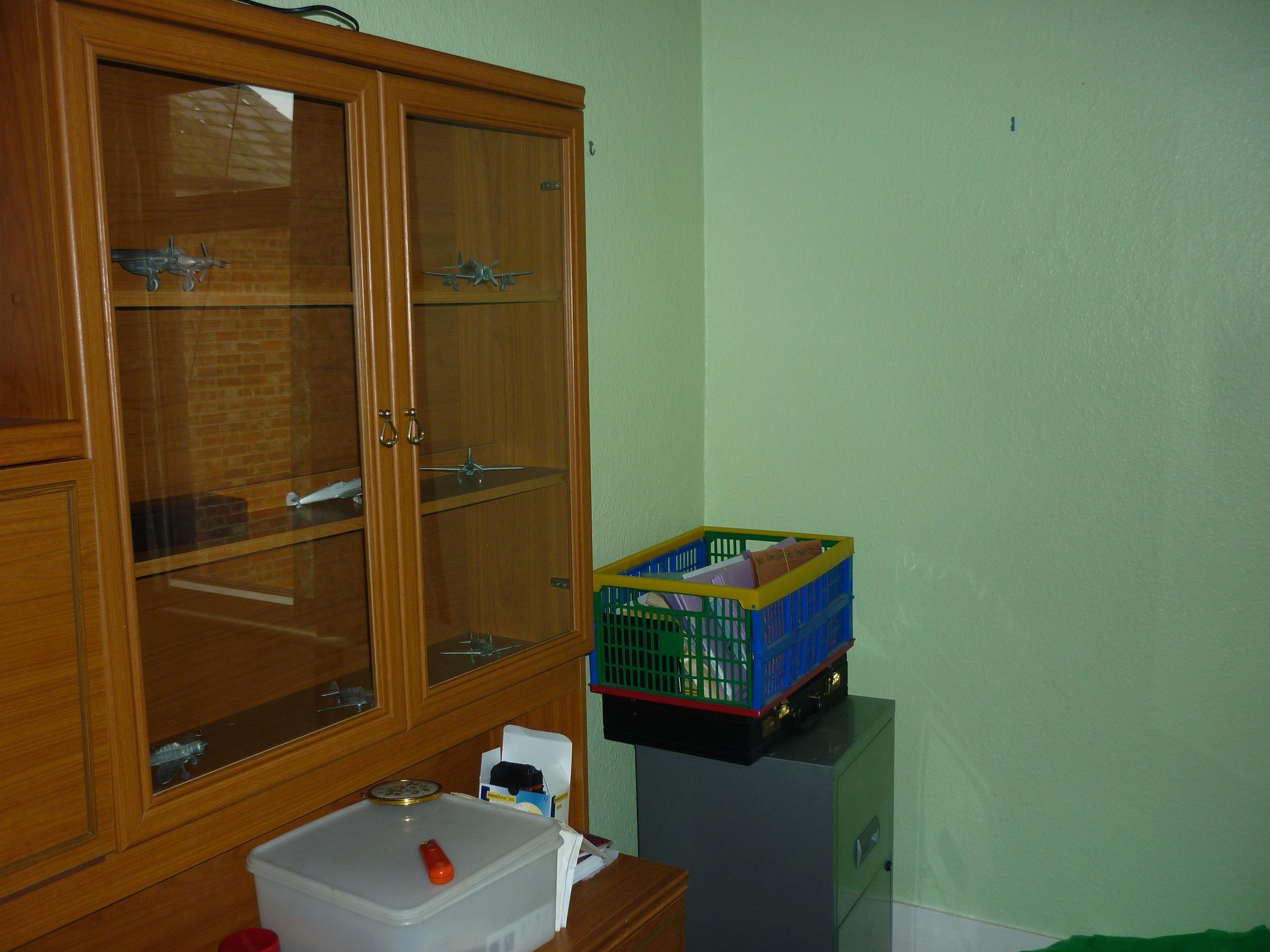 old-bathroom.JPG
