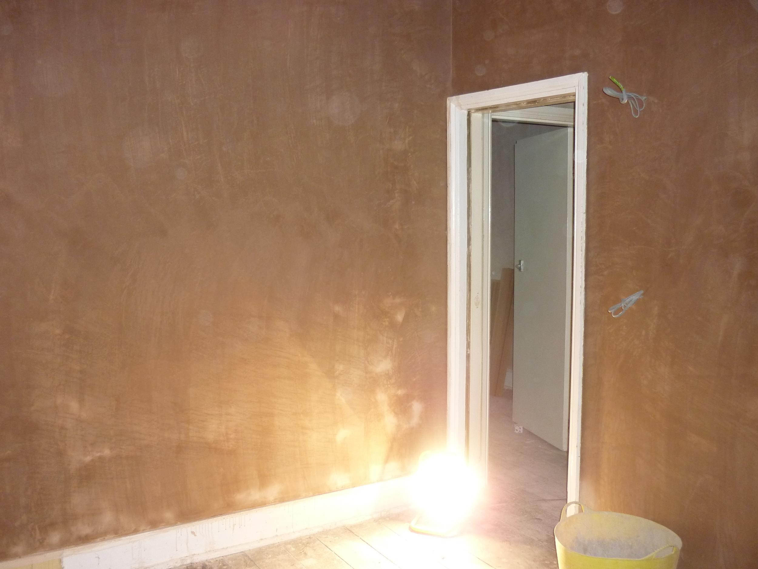 bathroom-plaster.JPG