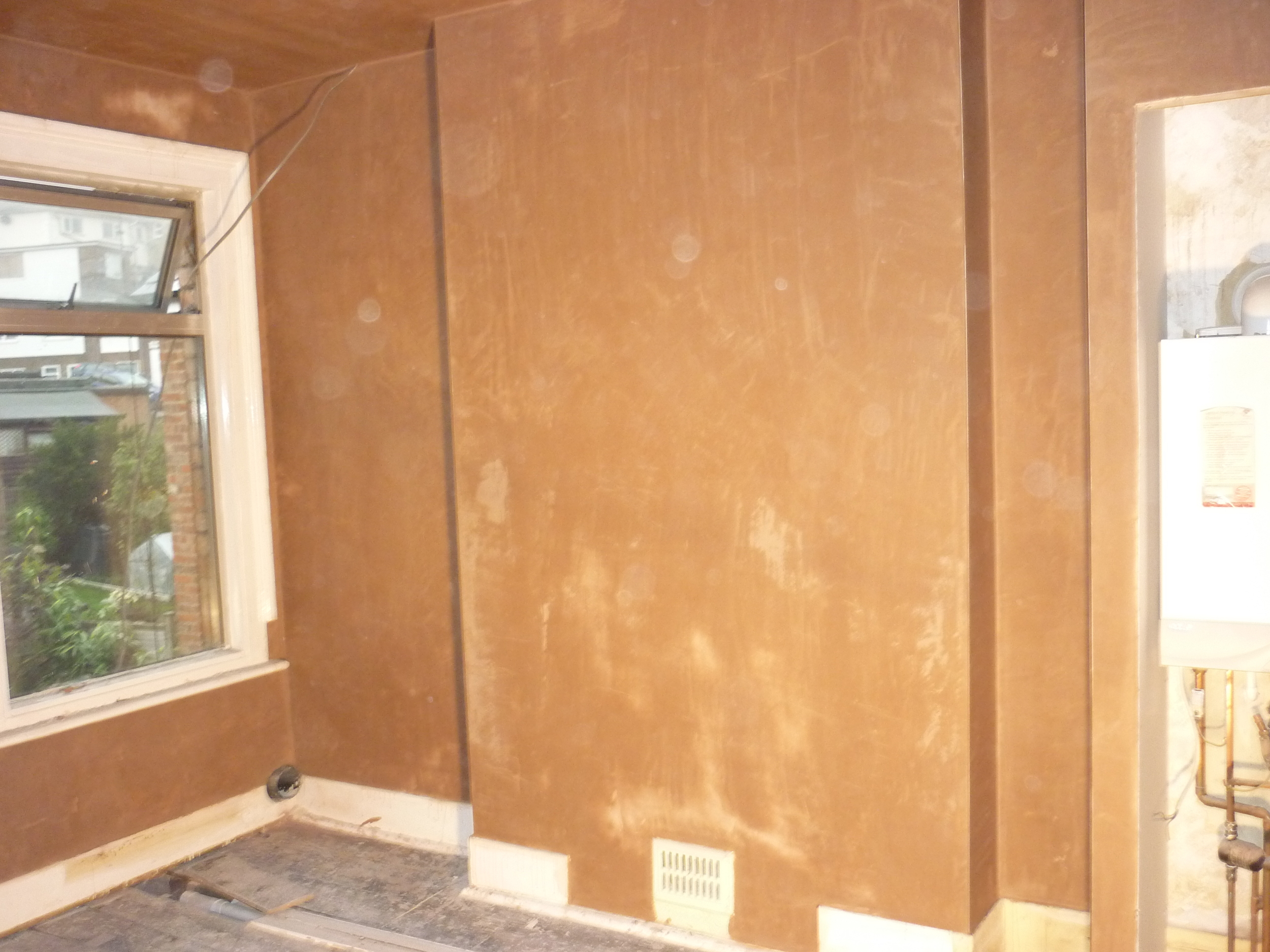 finished-plaster-bathroom.JPG