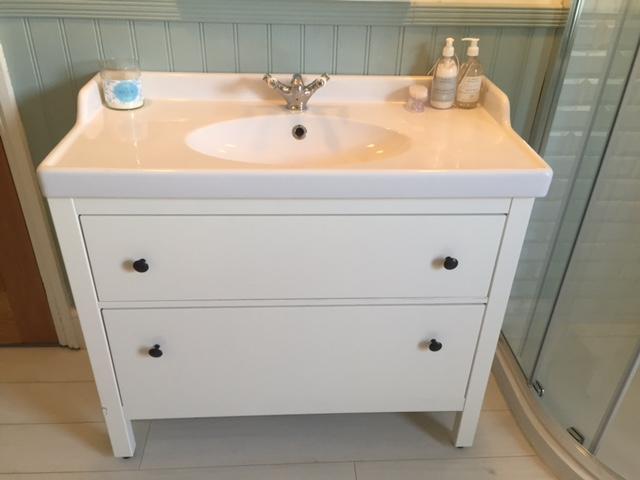 sink-cabinet.JPG