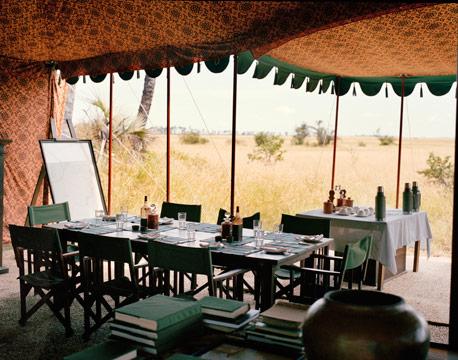 botswana-jacks-camp-dining-fb-40288631.jpg
