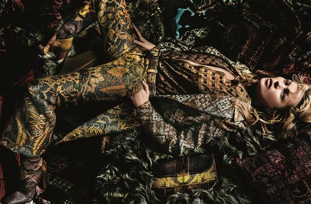 Kate-Moss-Etro-Fall-Winter-2015-mario-testino-1.jpg