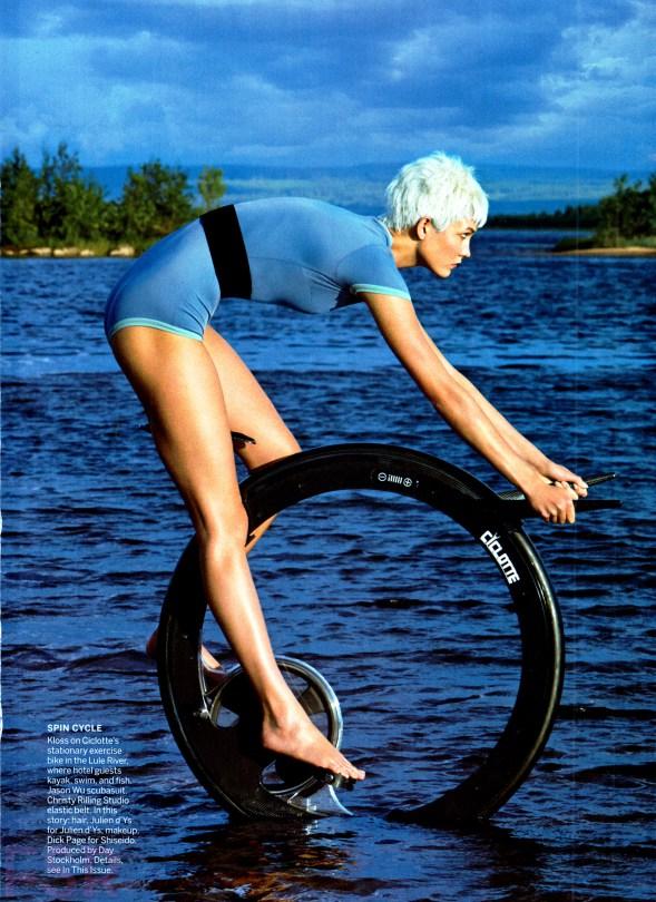 Karlie-Kloss-by-Patrick-Demarchelier-for Vogue-December-2014-5.jpg