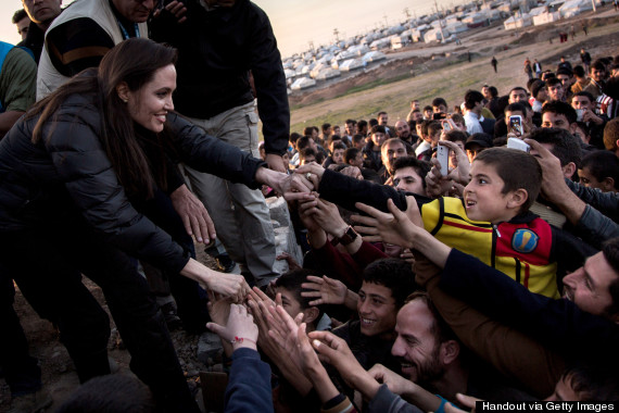 o-ANGELINA-JOLIE-570-in-refugee-camps-.jpg