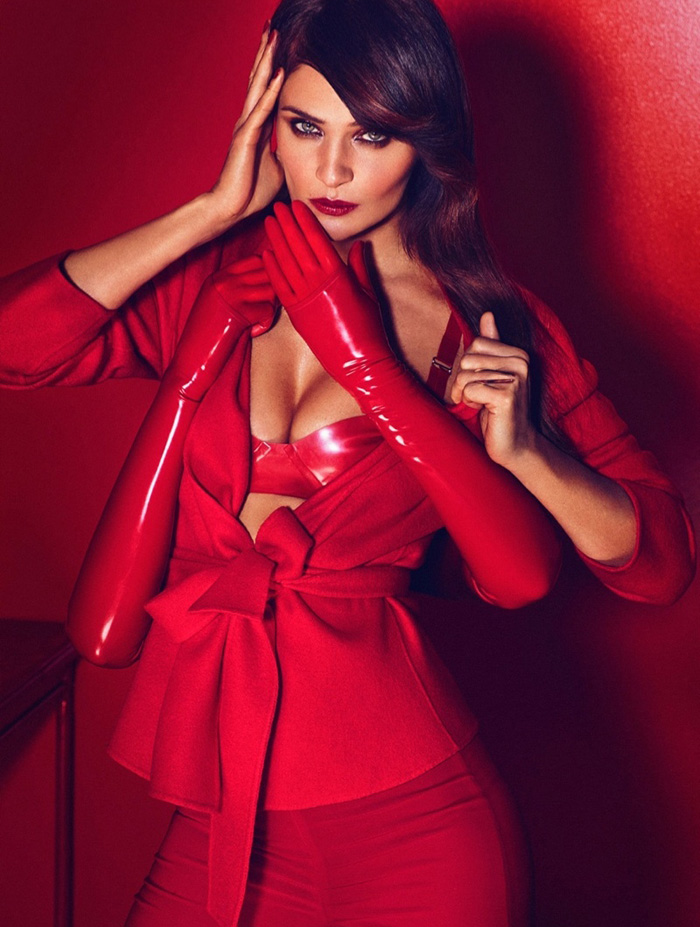 Helena-Christensen-hunter-gatti-marie-claire-mexico-feb-2015-7.jpg