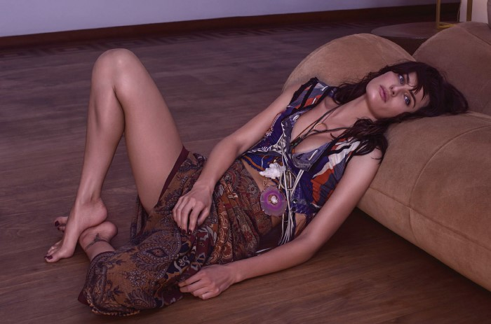 Vogue-Brasil-October-2015-Isabeli-Fontana-mario-vivanco-+7.jpg