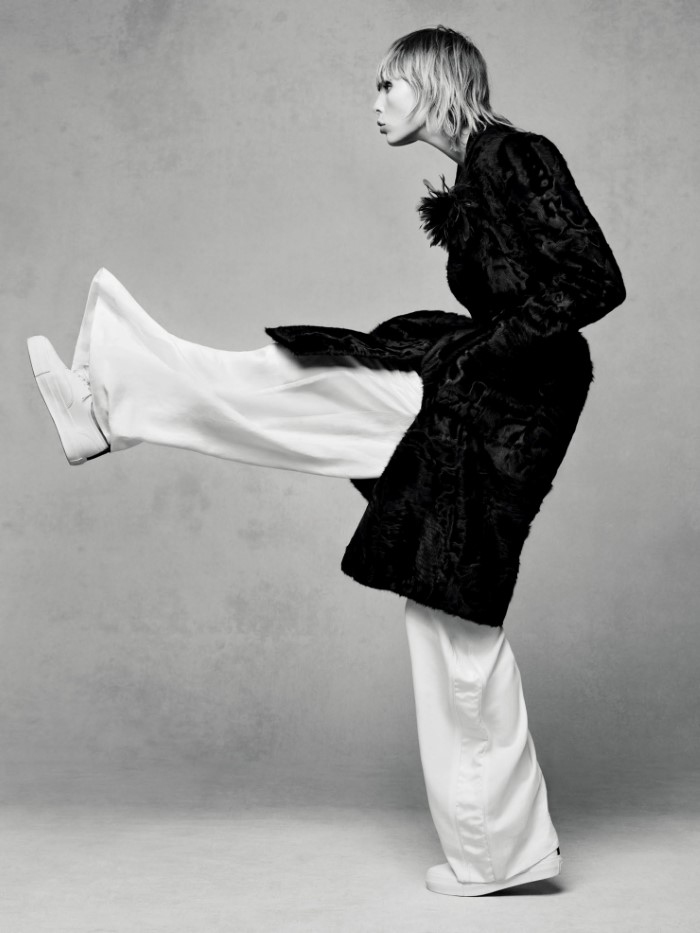 edie-campbell-by-solve-sundsbo-for-vogue-china-december-2015 (8).jpg