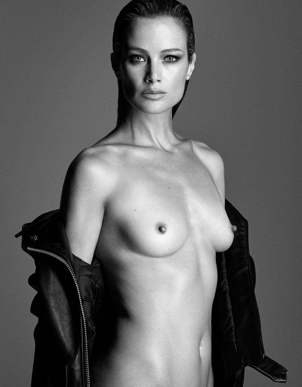 LUI-December_2015-January_2016-10-Carolyn_Murphy-by-Luigi_and_Iango.jpg