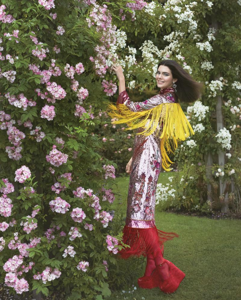 Vogue-US-September-2016-Kendall-Jenner-by-Mert-Alas-and-Marcus-Piggott-11-Gucci.jpg