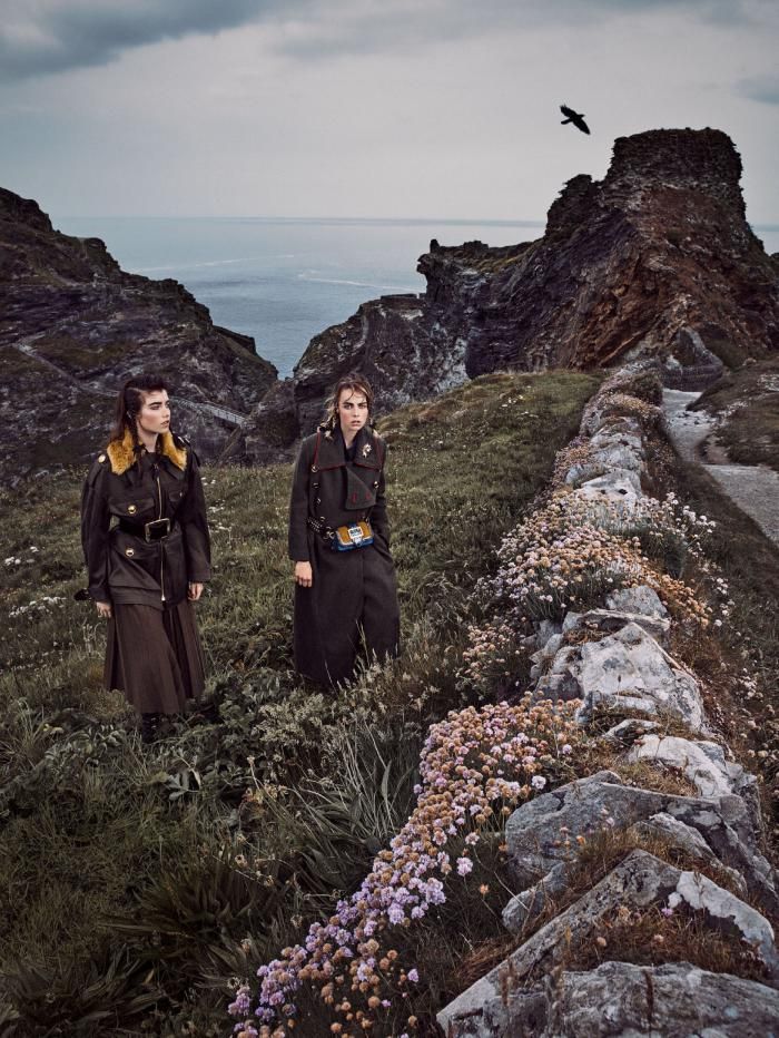 Vogue_US-September_2016-Edie_Campbell-Grace_Hartzel-by-Mikael_Jansson-02.jpg