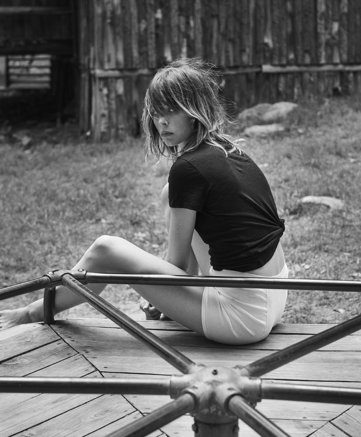 industrie-issue-9-2016-edie-campbell-by-lachlan-bailey-06.jpg