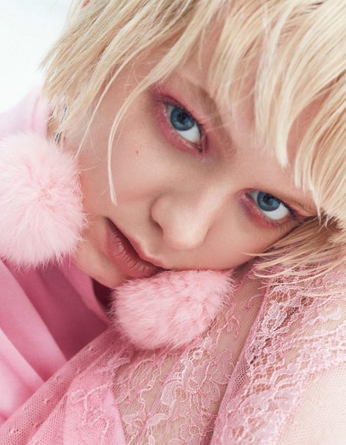 Nicolas-Kantor-for-Vogue-Japan-April-2017- (3).jpg