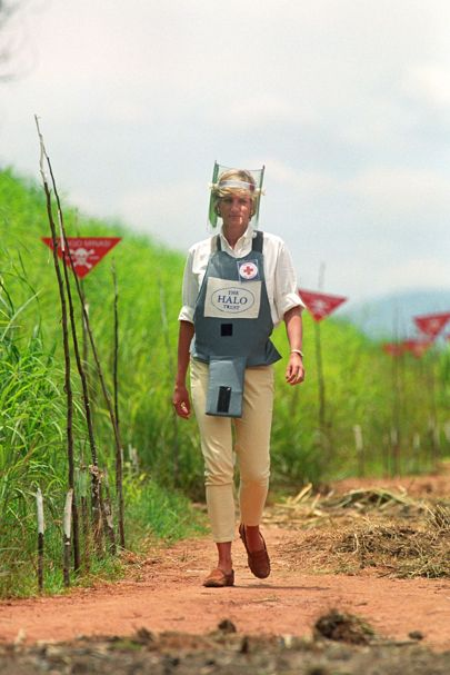 princess-diana-land-mines-405.jpg