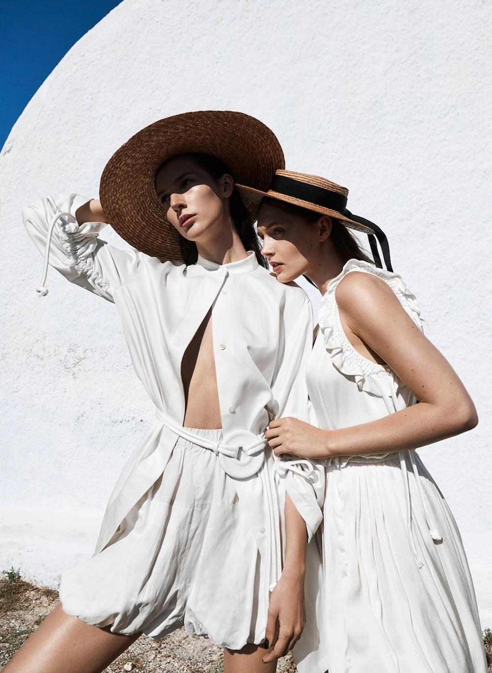 Viva-Magazine-July-2017-Angelika-Maciołek-and-Karolina-Laczkowska-by-Mateusz-Stankiewicz-1.jpg