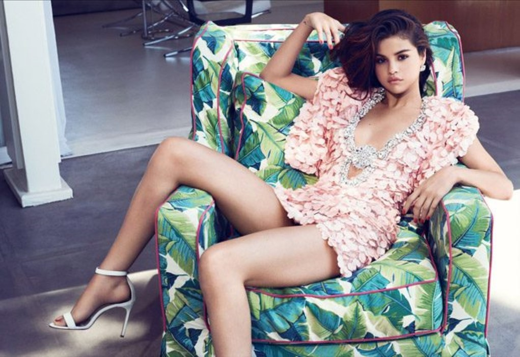 Selena-Gomez-InStyle-Phil-Poynter-07-620x425.jpg