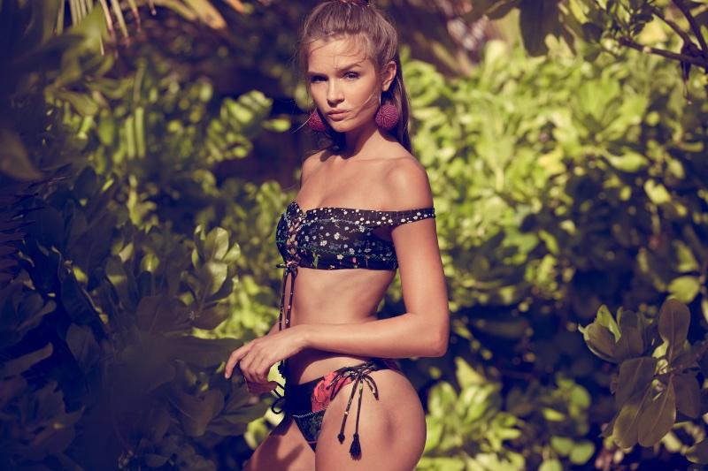 Josephine-Skriver-Agua-Bendita-Swimwear-2017-Campaign01.jpg
