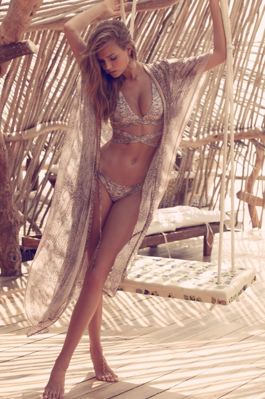 Josephine-Skriver-Agua-Bendita-Swimwear-2017-Campaign09.jpg