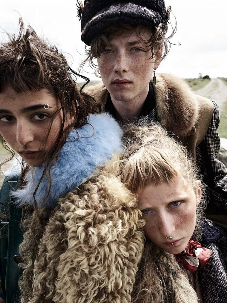 Nora-Attal-Elfie-Reigate-by-Mario-Testino-for-Vogue-UK-September-2017- (11).jpg