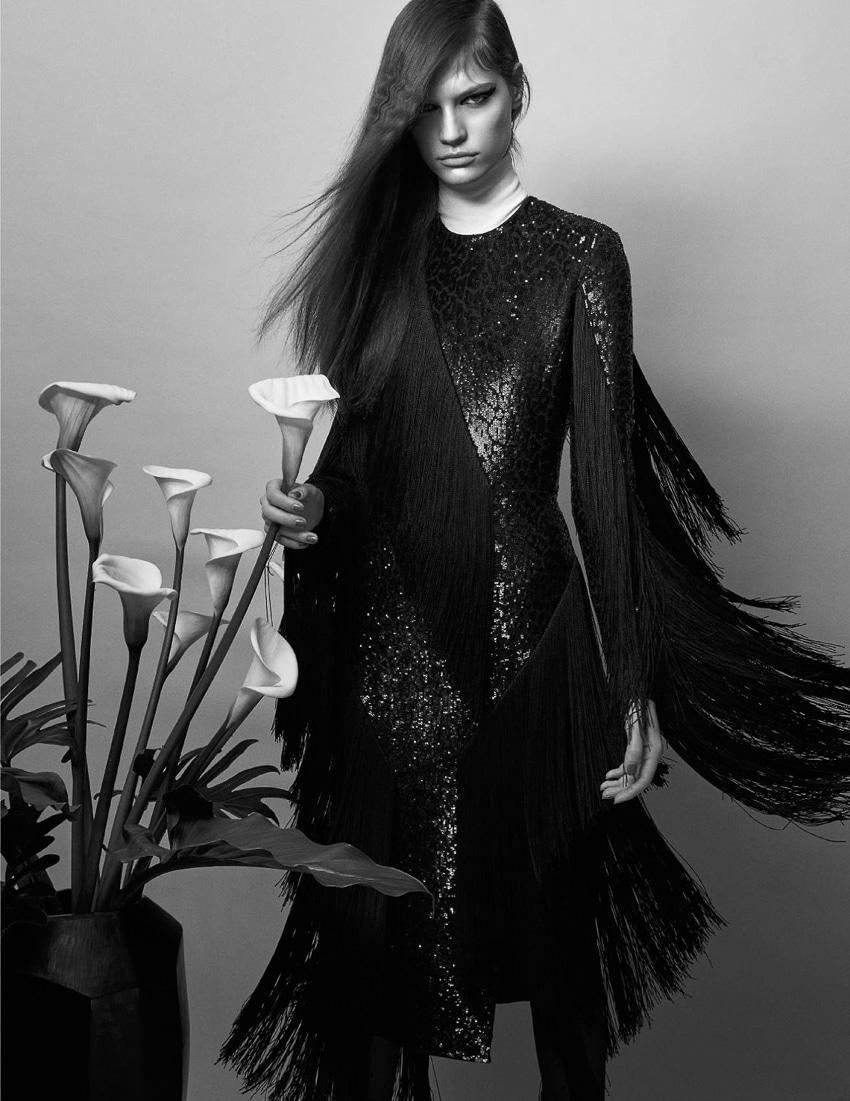 Faretta-Vogue-Paris-September-2017-Mario-Sorrenti-3.jpg