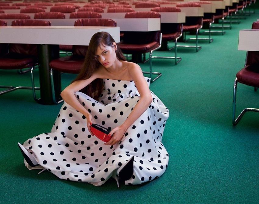 Faretta-Vogue-Paris-September-2017-Mario-Sorrenti-7.jpg
