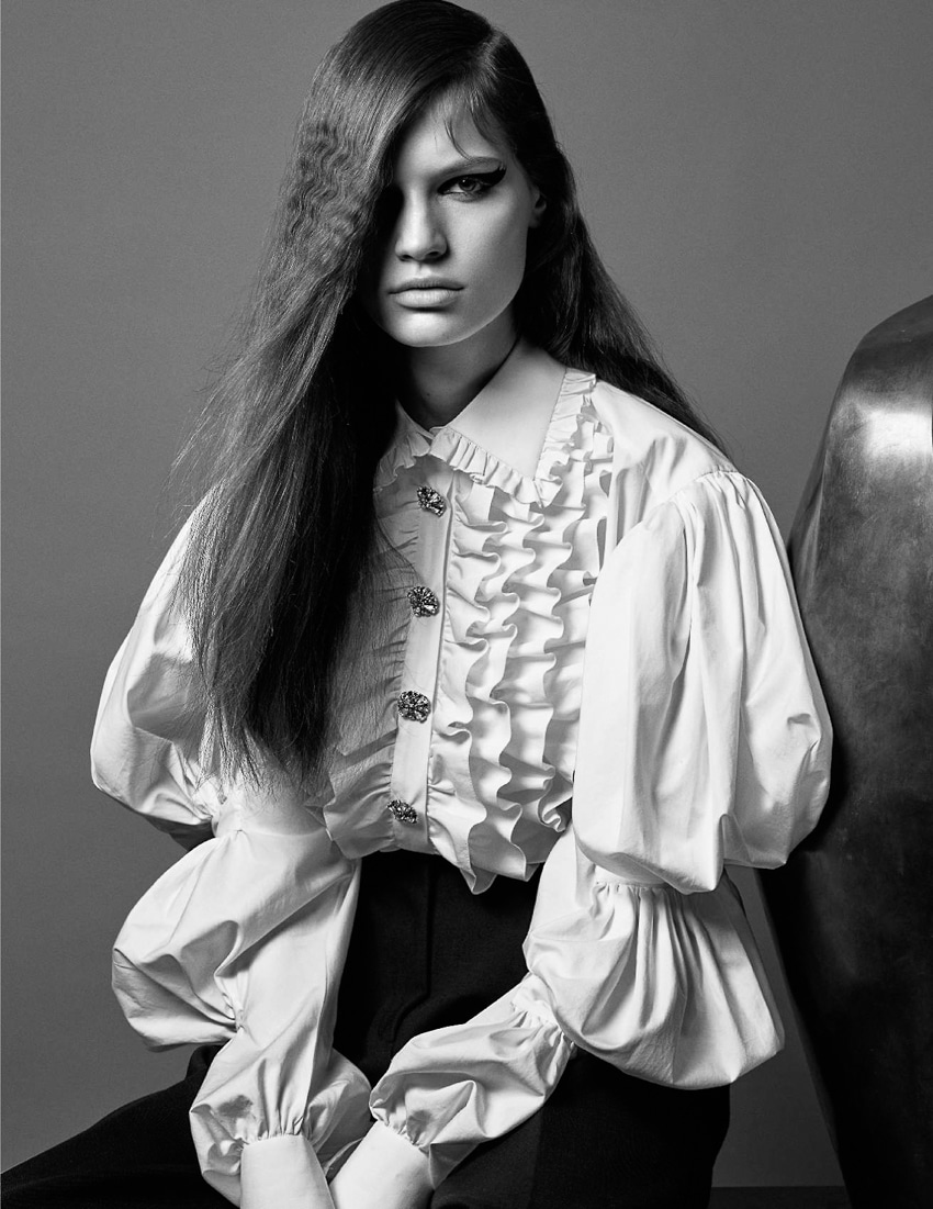 Faretta-Vogue-Paris-September-2017-Mario-Sorrenti-10.jpg