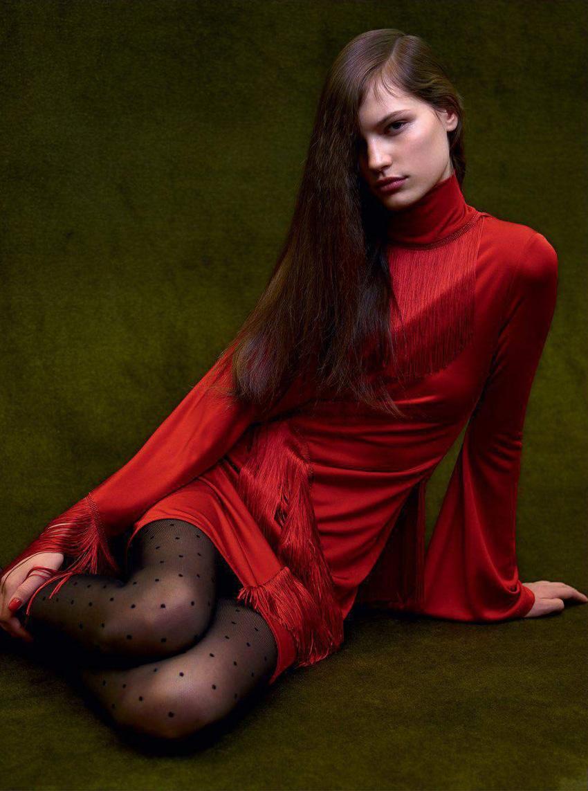 Faretta-Vogue-Paris-September-2017-Mario-Sorrenti-11.jpg