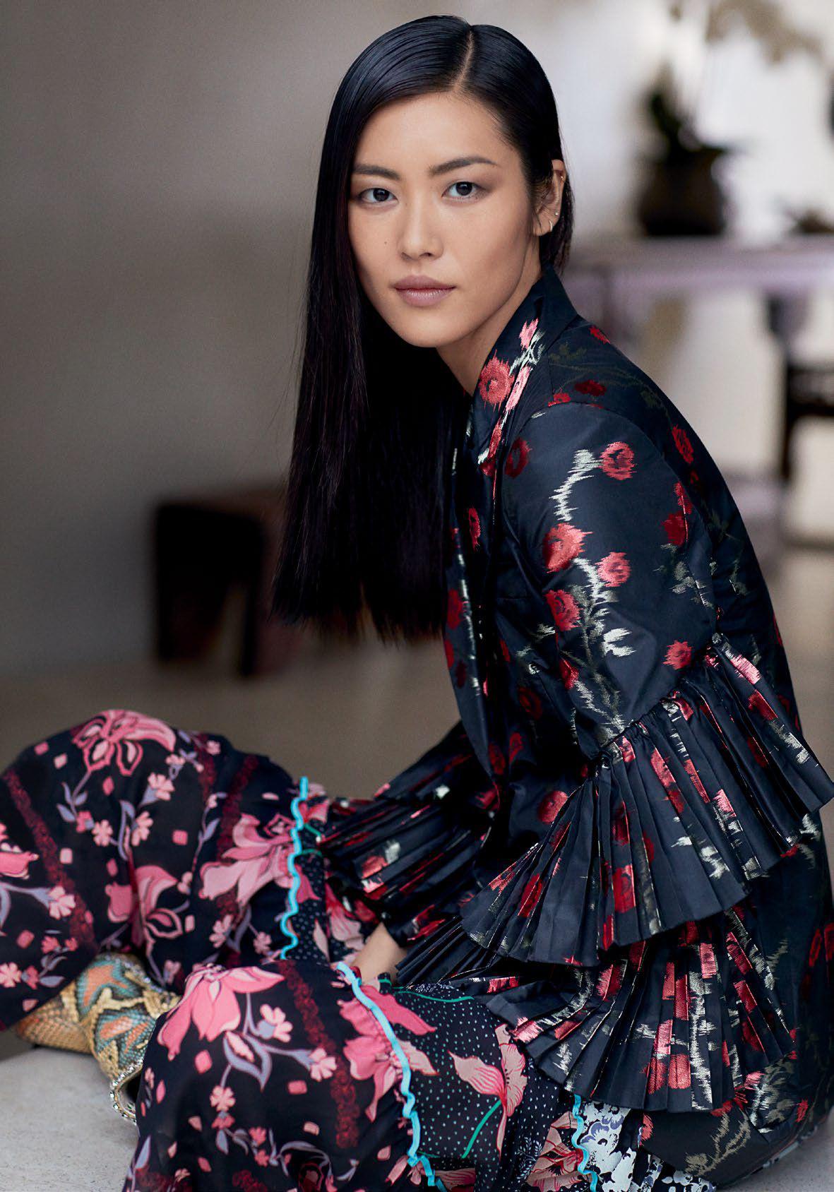 t-magazine-singapore-september-2017-liu-wen-by-russell-james-04.jpg