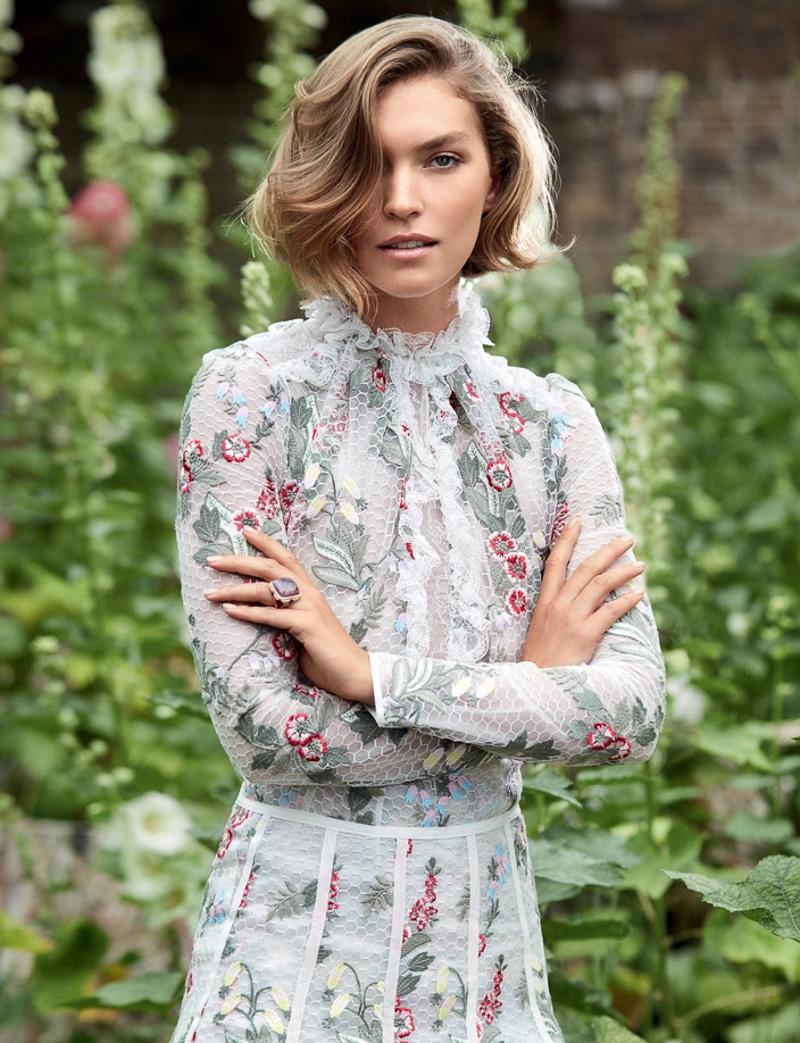 HELLO-Fashion-September-2017-Arizona-Muse-by-Kate-Davis-Macleod-5.jpg