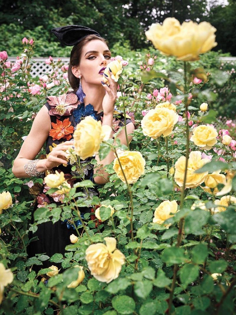 Hilary-Rhoda-Avant-Garde-Vogue-Arabia-September-2017-Editorial03.jpg