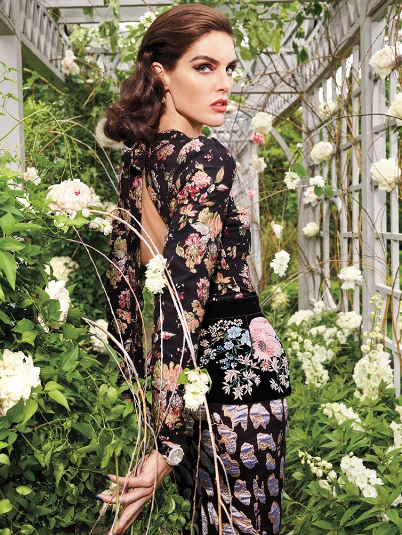 Hilary-Rhoda-Avant-Garde-Vogue-Arabia-September-2017-Editorial06.jpg