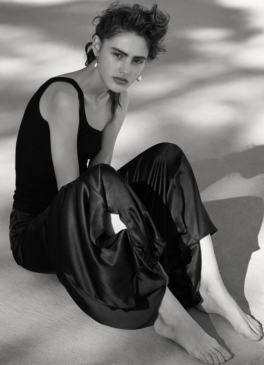Harpers-Bazaar-Australia-October-2017-Alenya-Fitzgerald-Sylve-Colless-7.jpg