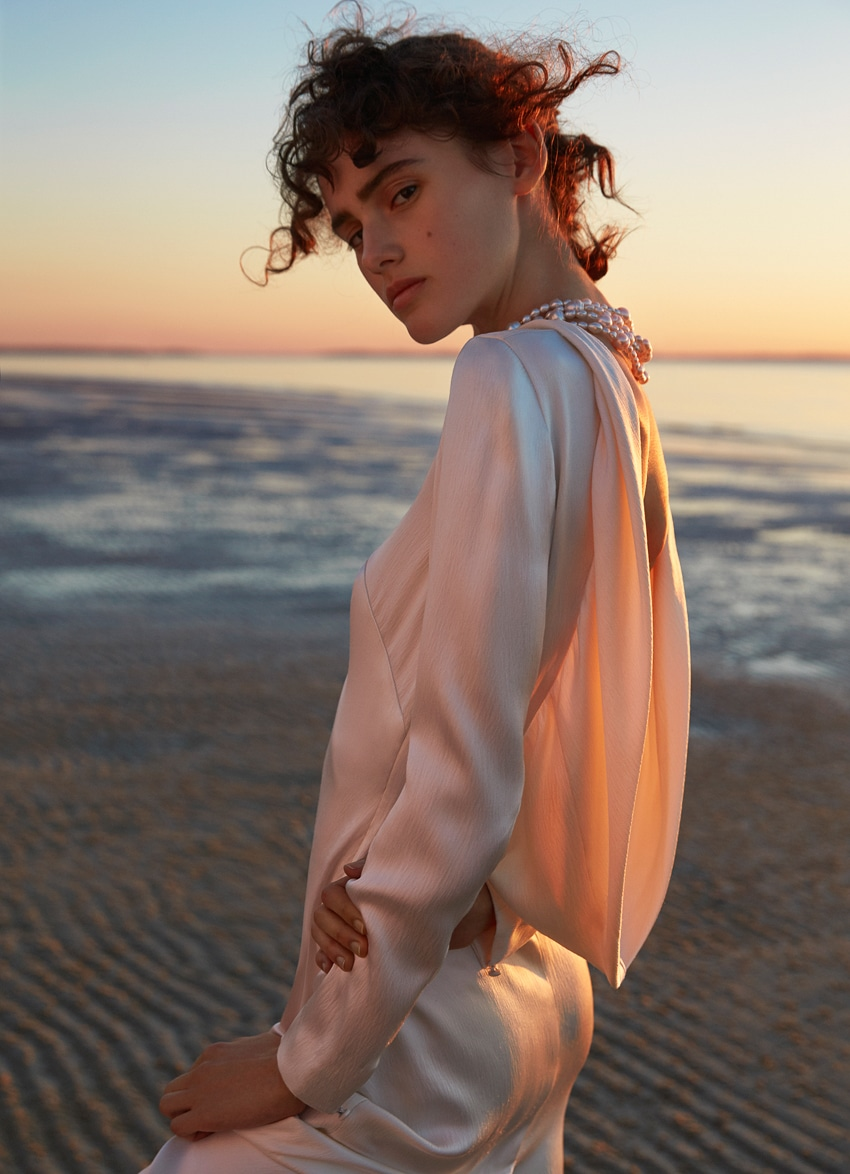 Harpers-Bazaar-Australia-October-2017-Alenya-Fitzgerald-Sylve-Colless-10.jpg