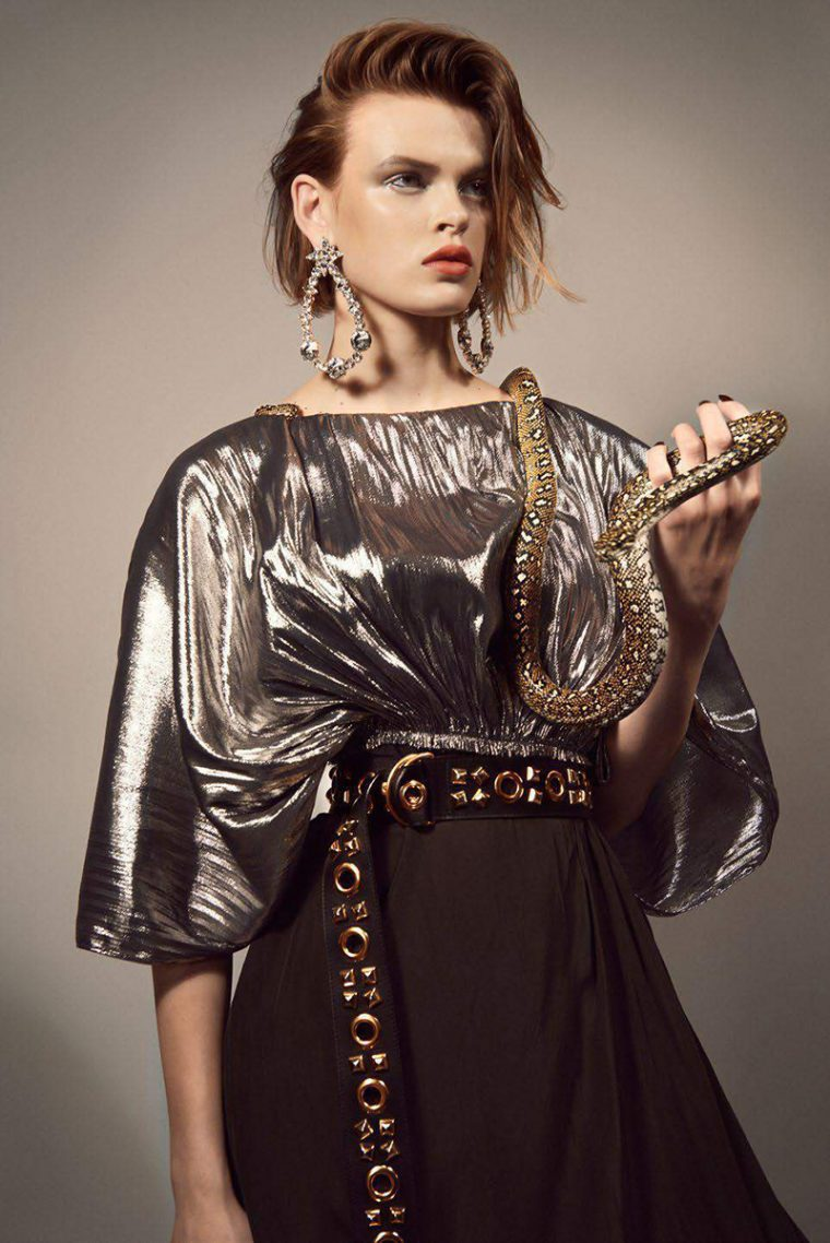 Cara-Taylor-by-Glen-Luchford-for-Vogue-Paris-October-2017- (1).jpg