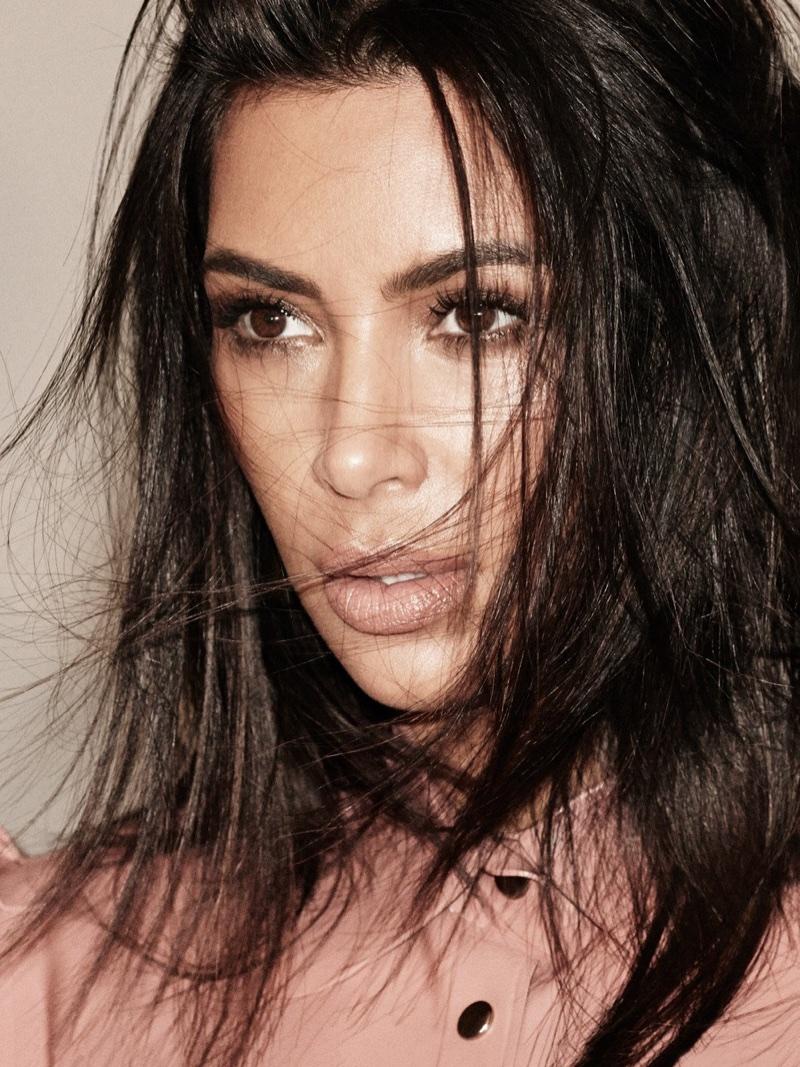 Kim-Kardashian-Alure-October-2017-Cover-Photoshoot02.jpg