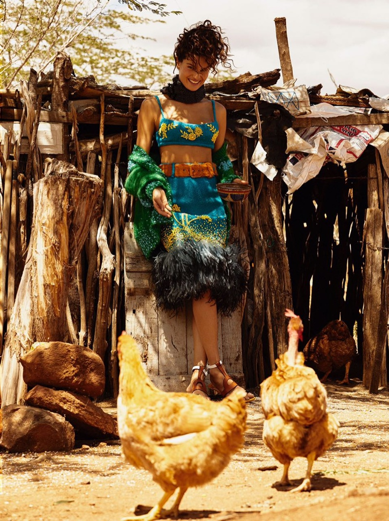 Isabeli-Fontana-Vogue-Brazil-October-2017- (9).jpg