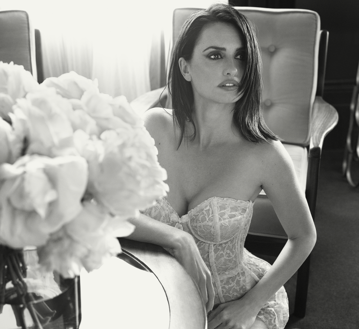 Penelope Cruz Named Esquire Magazines Sexiest Woman