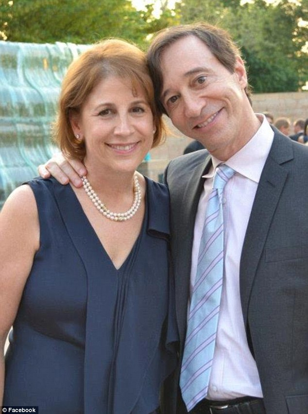WALL STREET TYCOON HOWIE RUBIN AND HIS WIFE, HARVARD BUSINESS SCHOOL ALUM MARY HENRY. THE COUPLE MARRIED IN 1985 AND HAVE THREE CHILDREN.