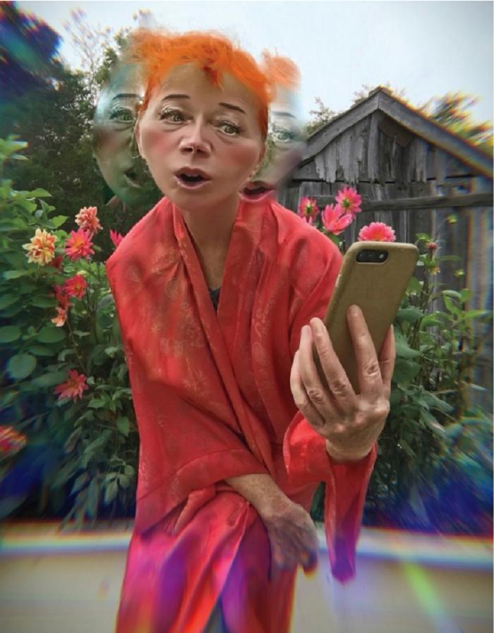cindy-sherman-selfie-w-mag-2.png