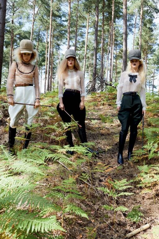 Juergen-Teller-for-Vogue-UK-December-2017-7.jpg