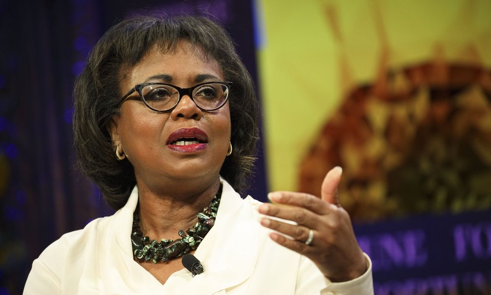 anita-hill-hollywood-121917-.jpg
