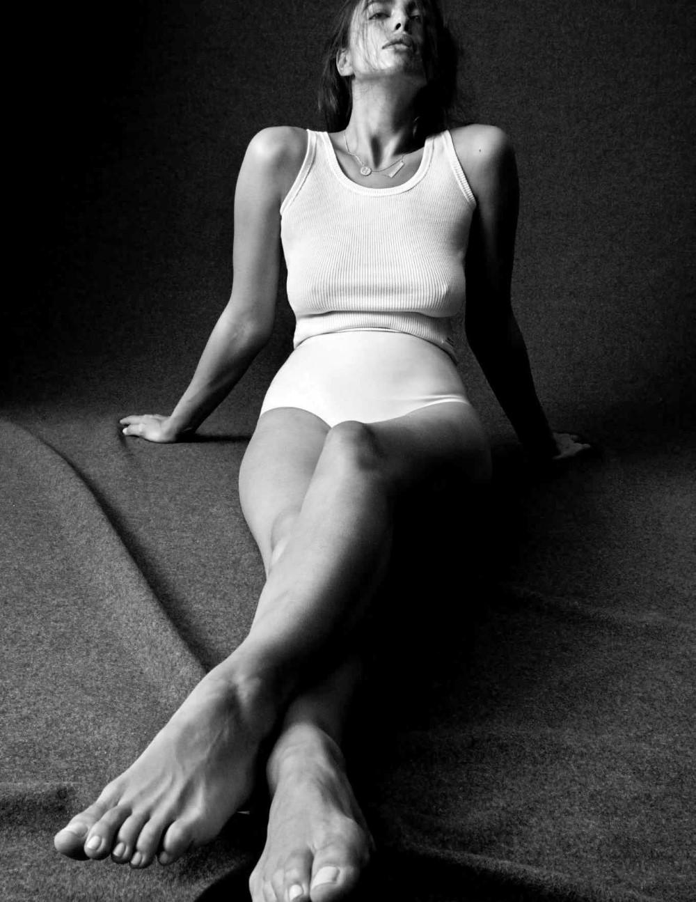 Irina Shayek Daniel Jackson Vogue Australia March 2018-21.jpg