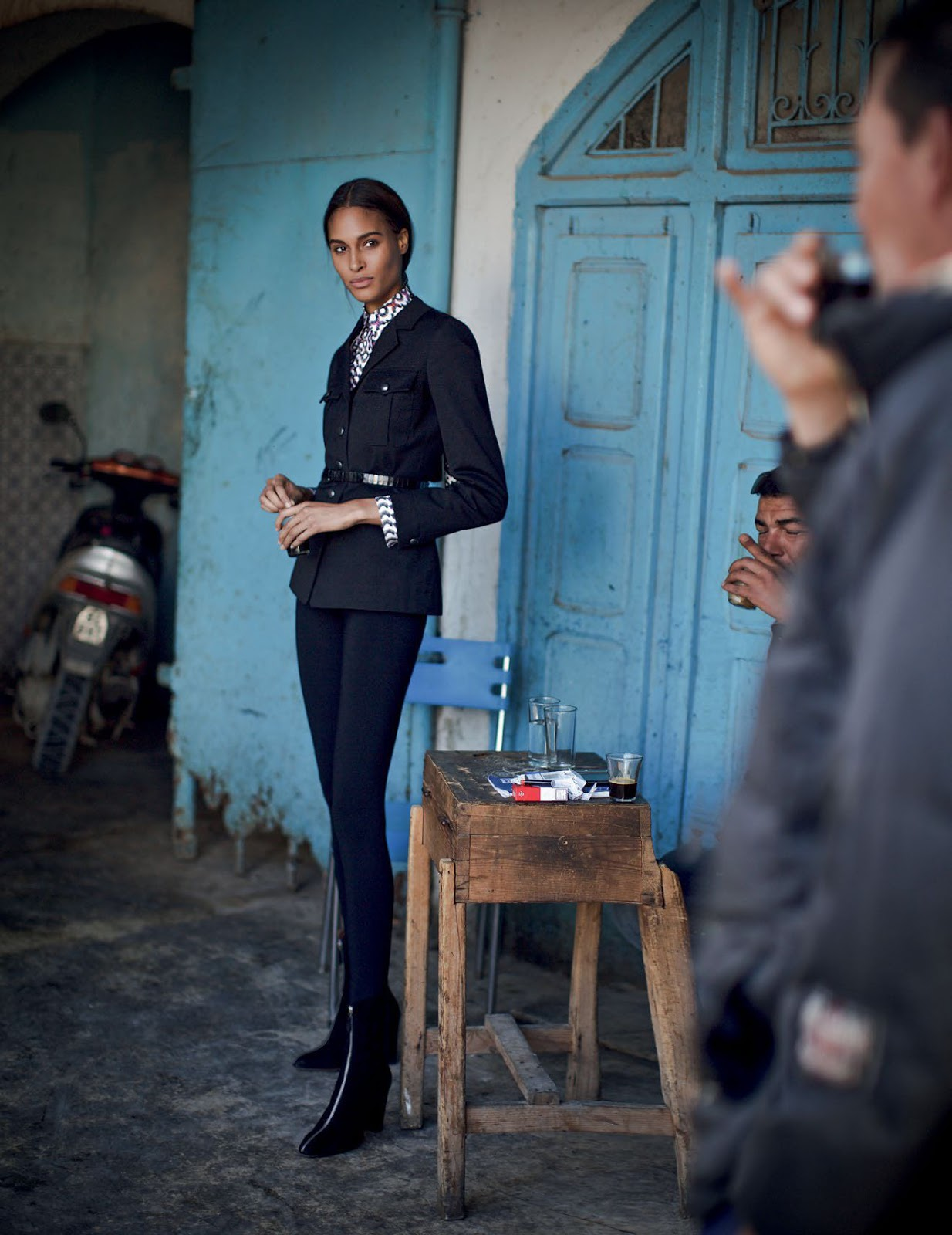 Vogue Arabia March 2018 - 3.jpg