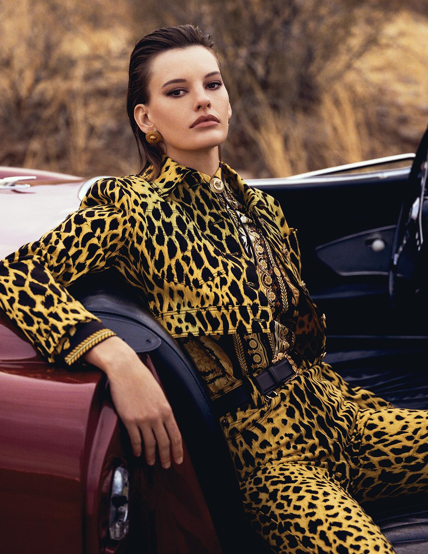 Vogue Spain April 2018 - 1.jpg