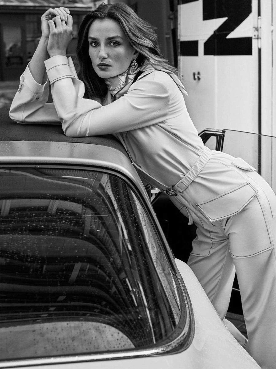 Vogue-Paris-April-2018-Andrea-Diaconu-Alique-8.jpg