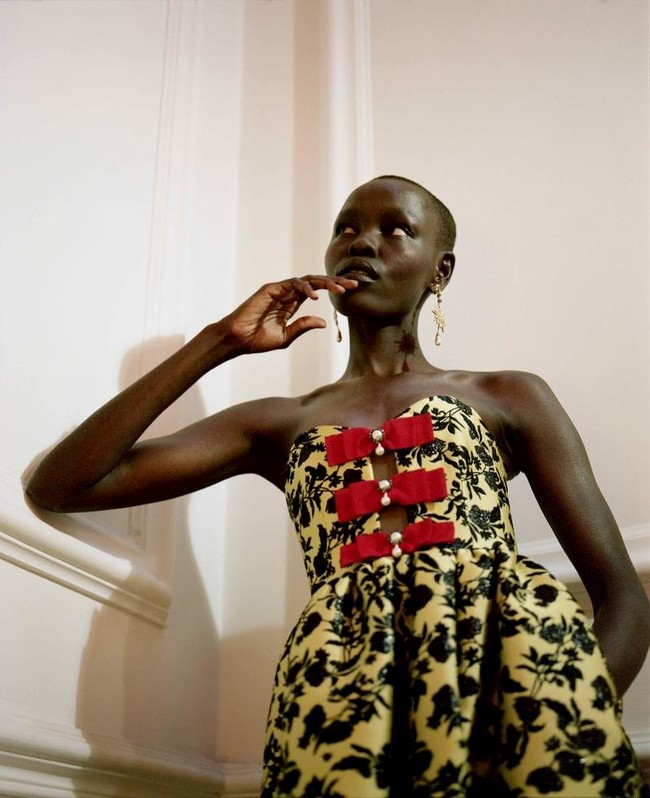 Grace-Bol-Vogue-Poland-April-2018-Kuba-Ryniewicz-06.jpg